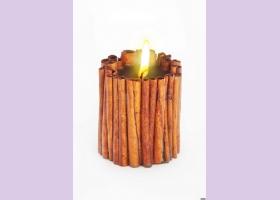 Свеча-эко ручной работы MAGIC LOVE с палочками корицы и эфирными маслами корицы и базилика d8 h10 см круглая TM Aromatte